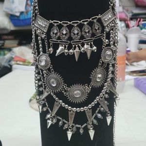 Jewelry - Statement necklace with jingle bells